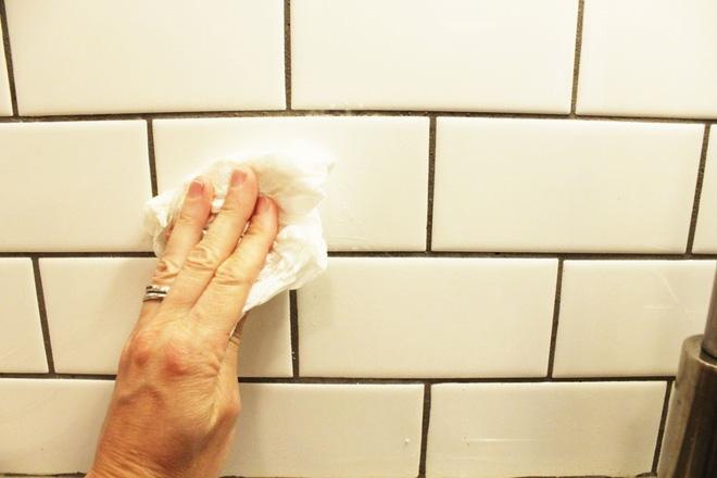 Cách vệ sinh tường bếp đơn giản nhưng cho hiệu quả không ngờ_6047158895190.jpeg
