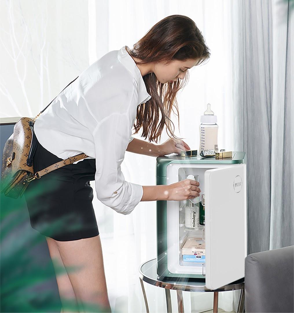 ủ lạnh mini đựng mỹ phẩm